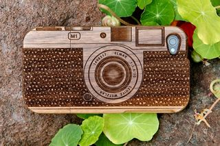 Wood-camera-iphone-case-08c3_600.0000001313800486